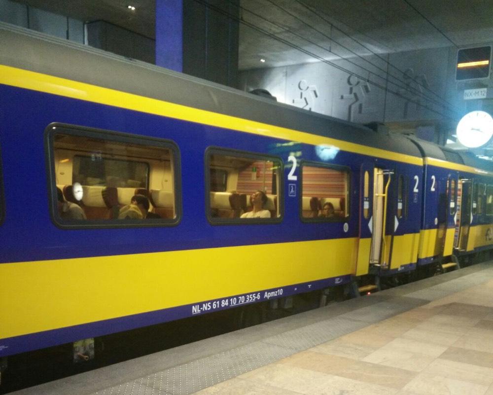 Benelux02