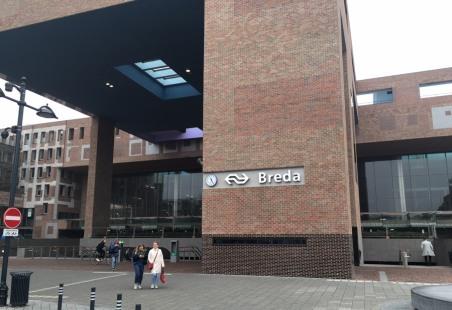 Breda_station02