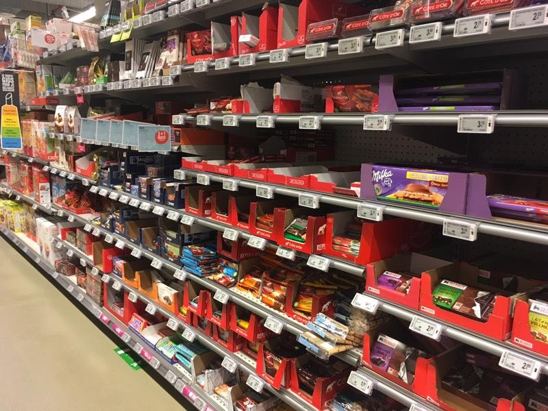 Chocolate_Antwerp_Delhaize_aisle