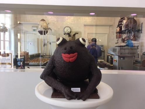 Chocolate_Antwerp_TheChocolateLine_frog