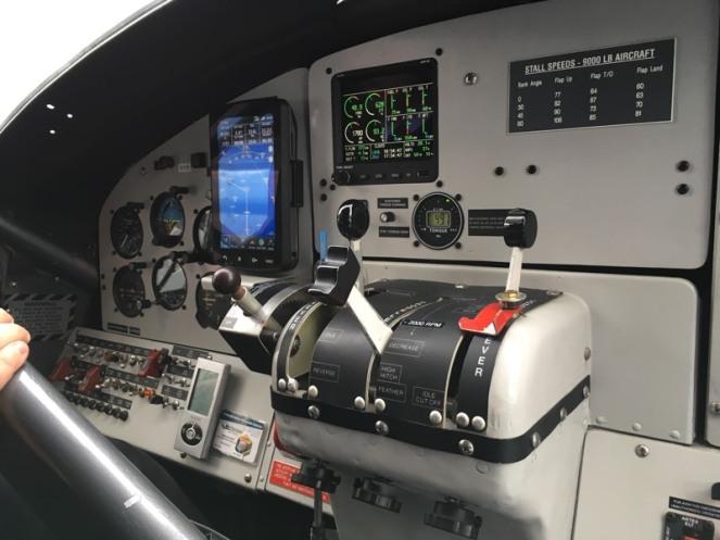 Seaplane_cockpit