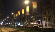 Steenplein_nacht_regenboog