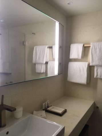 AtSix_bathroom
