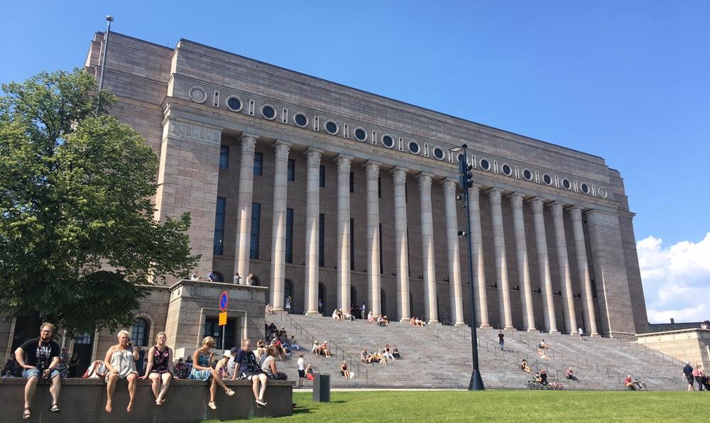 Helsinki_parliament
