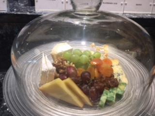 IC_O2_lounge_breakfast_cheese