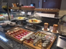 IC_O2_lounge_breakfast_jams