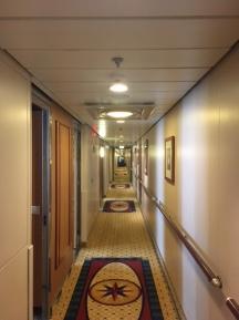 SerenadeOfTheSeas_corridor