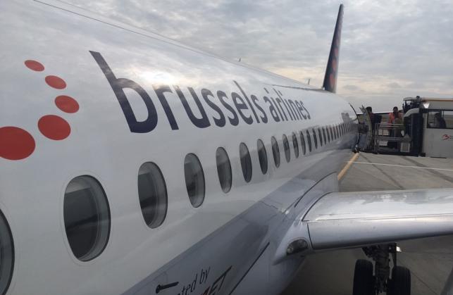 SukhoiSSJ100_BrusselsAirlines_CityJet_AtTheDoor