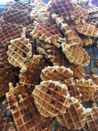Markt_WafeltjesVanOnsBomma_waffles_plenty