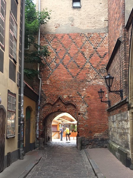 Riga_gate