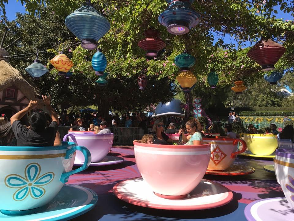 LA_Disney_teacups