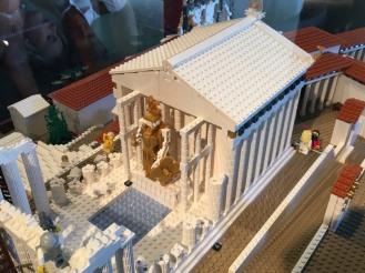 Lego_Acropolis_Athena_side