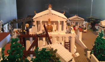 Lego_Acropolis_construction