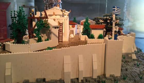 Lego_Acropolis_side