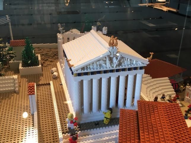 Lego_Acropolis_temple
