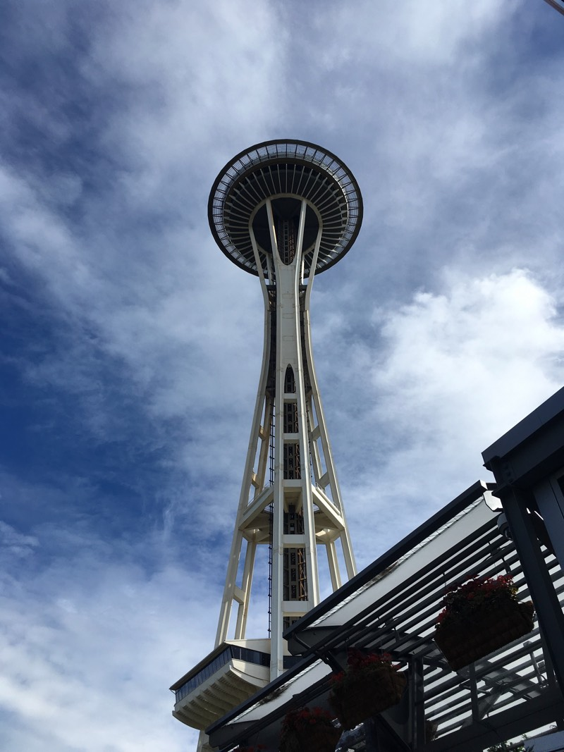Seattle_SpaceNeedle_day
