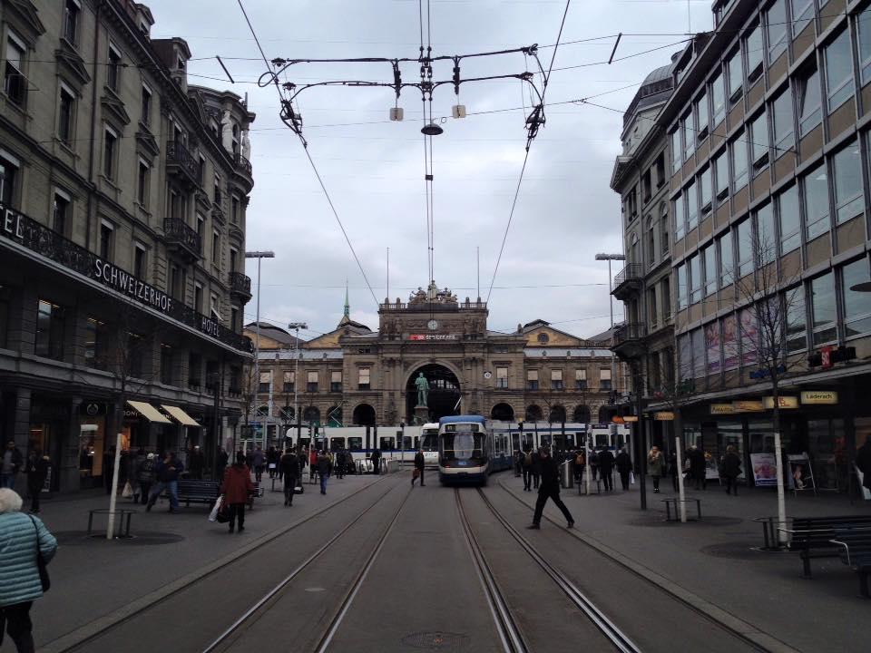 Zurich_Bahnhofstrasse_02
