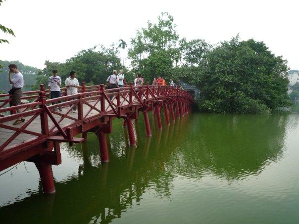 Vietnam_Hanoi_bridge