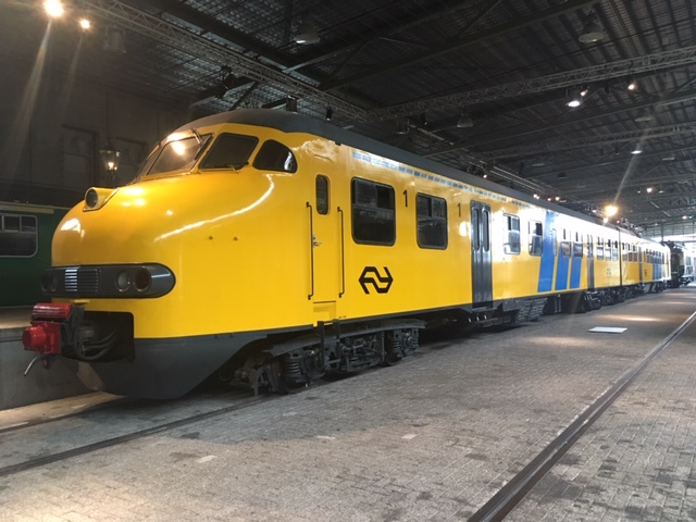 Spoorwegmuseum_yellow