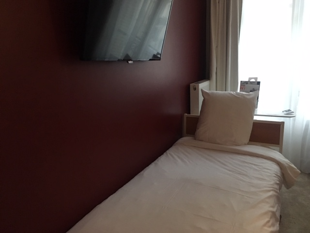 MercureParis_bed_1b