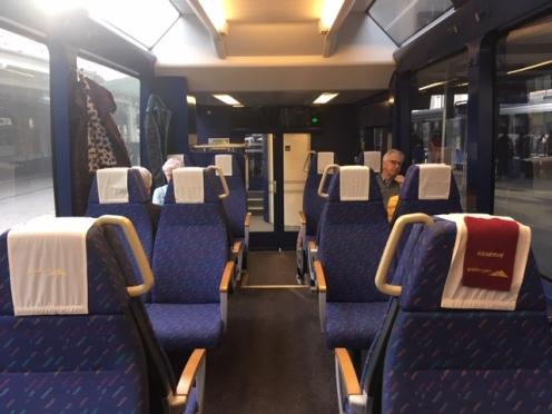 GoldenPass_MOB04_seats