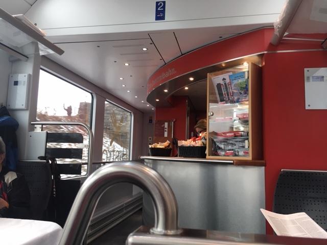 GoldenPass_Zentralbahn01_Bistro