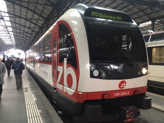GoldenPass_Zentralbahn10_front