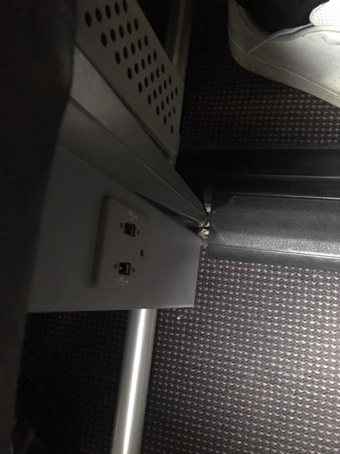 BCN_D6_Vueling_USB