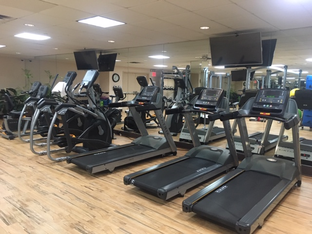 USA_176_HolidayInn_gym