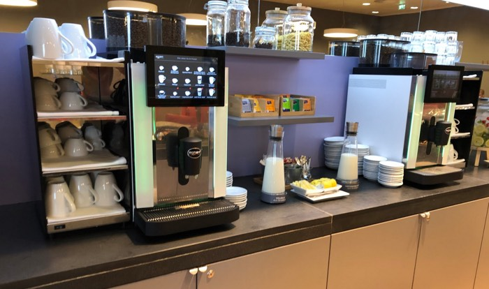Austrian_Airlines_Business_Lounge_Vienna_Airport_coffee
