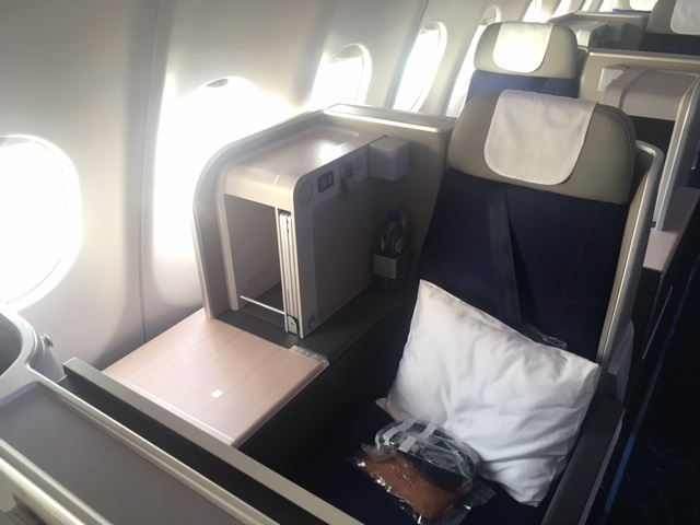 SN_2019_BoutiqueHotel_businessclass_seat