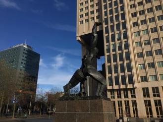 Rotterdam_statue