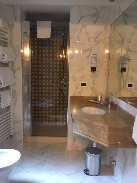 Casanova_bathroom