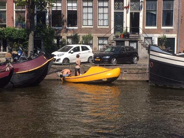 Amsterdam_walk_clog