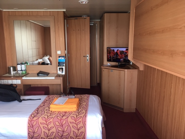 MSCSinfonia_cabin_overview