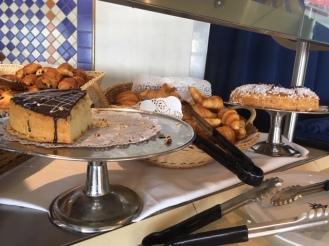 MSCSinfonia_food_Terrazza_cakes