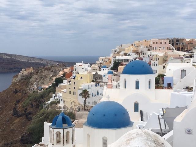 Santorini_Oia_domes