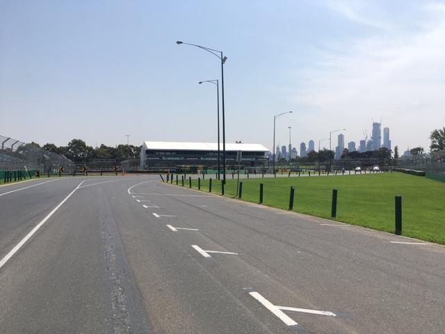 MelbourneGP_firstcorner