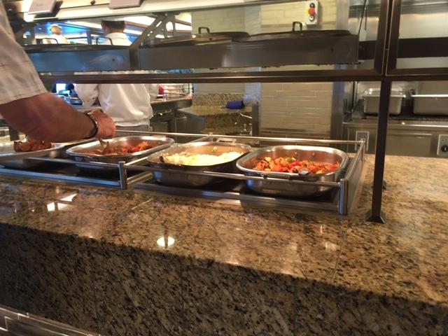 03_MajesticPrincess_food_buffet