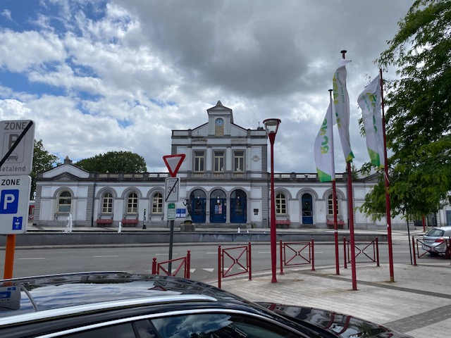 Ronse_station_street