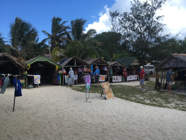 Vanuatu_PortVila_village